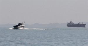 Έρευνες για τον εντοπισμό ναυτικού