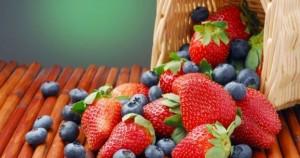 Φράουλες και μύρτιλλα