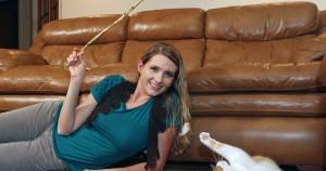 Γάτα έσωσε 25χρονη από τη νευρική ανορεξία