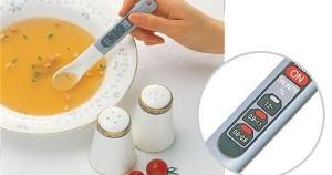 Ελέγξτε πόσο αλμυρό είναι το φαγητό σας με ένα κουτάλι