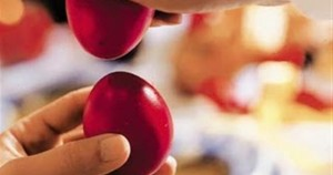Τσούγκρισμα αυγών