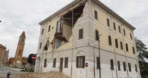 Στους έξι οι νεκροί από τον ισχυρό σεισμό των 5,8 βαθμών στη βόρεια Ιταλία