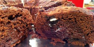 Κολασμένο γεμιστό κέικ