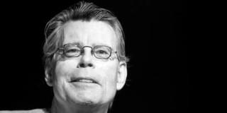 «Είμαι πλούσιος, φορολογήστε με» λέει ο συγγραφέας Στίβεν Κινγκ