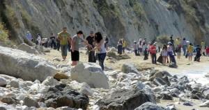 Καθαρισμός παραλίας Άβυθος από Λιμενικούς και μαθητές
