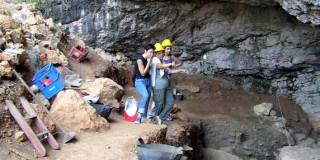 Το σπήλαιο της Δράκαινας