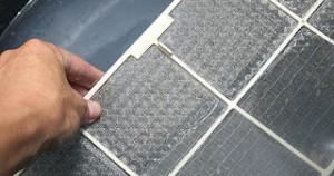Πως θα καθαρίσετε τα φίλτρα του κλιματιστικού με ξύδι