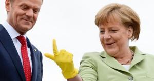 Το κίτρινο γάντι της Μέρκελ