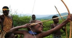 Μέλη της φυλής Χάτζα στην Τανζανία