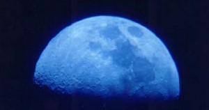«Μπλέ» θα είναι φέτος το αυγουστιάτικο φεγγάρι