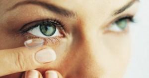 Τι να προσέχουν το καλοκαίρι όσοι φορούν φακούς επαφής