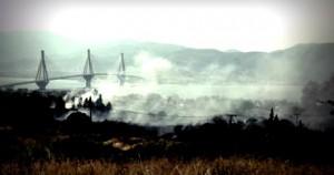 Συνεχίζεται η μάχη με τις φλόγες στην Αχαΐα, τρεις τραυματίες πυροσβέστες