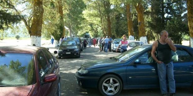 Επεισόδια για τους Ρομά στον Άγιο Γεράσιμο - Κάτοικοι έκλεισαν το δρόμο