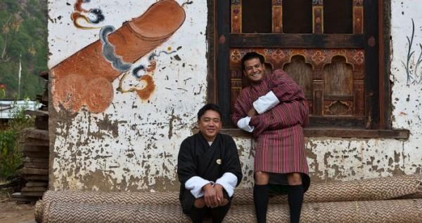 Τα σπίτια του κρατιδίου Μπουτάν είναι γεμάτα ζωγραφιές από γιγαντιαία πέη!