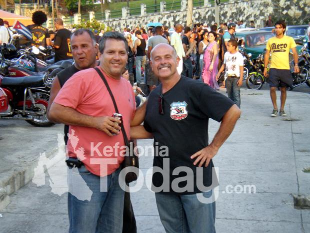 """O ανταποκριτής μας στην Κούβα Jason Mattos με τον Camilo Che Guevara, γιο του θρυλικού Ernesto """"Che"""" Guevara"""