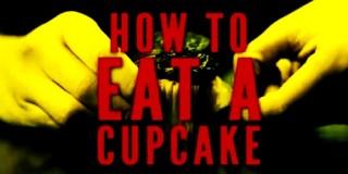 Μήπως τρώς το cup cake σου λάθος ;