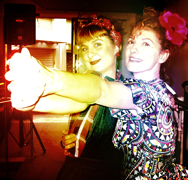 Η Dazzlin' Gal με τη Ντονατέλλα Αδάμου