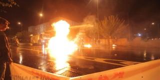 Επεισόδια με μολότοφ και δακρυγόνα στο Σύνταγμα
