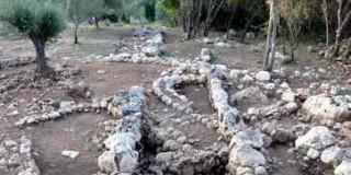 Τάφοι στα Τζανάτα Πόρου