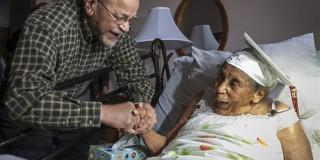 Πήρε απολυτήριο λυκείου σε ηλικία 106 ετών