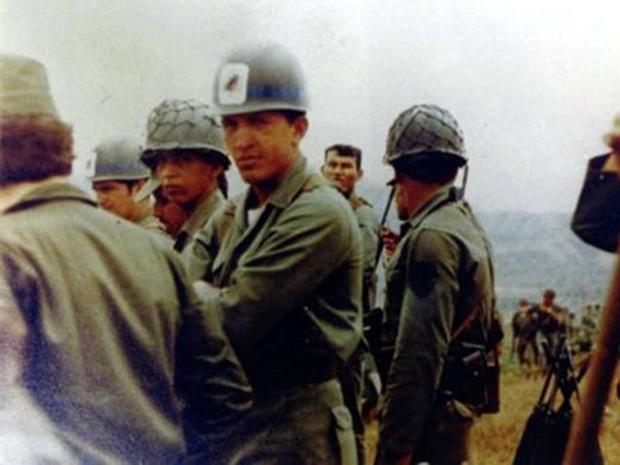 Φωτογραφία από τα χρόνια του Τσάβες στο στρατό