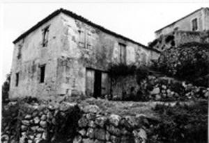 Προσεισμικό σπίτι του χωριού.