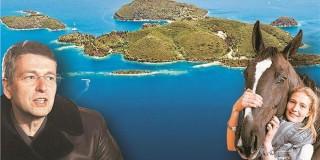 Το πανέμορφο νησί του Σκορπιού έχει πλέον νέα ιδιοκτήτρια: την Εκατερίνα Ριμπολόβλεβα,