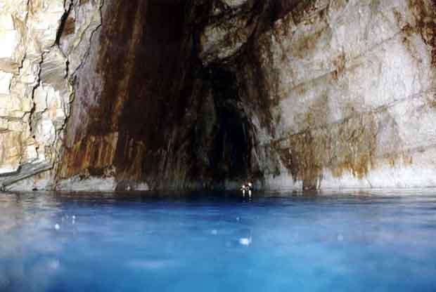 Λιμνοσπήλαια Κεφαλονιάς