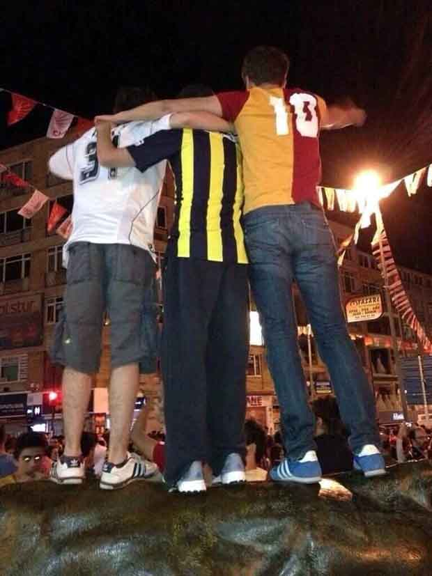 Πάει για εξέγερση η Τουρκία