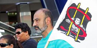 Ο Κεφαλλονίτης G.Georgatos στο πλευρό του Julian Assange