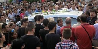 Ενταση και 9 προσαγωγές μετά την κηδεία του 19χρονου