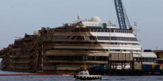«Ορθιο» ξανά το Costa Concordia