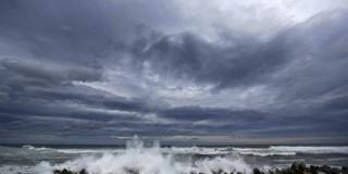 """Ο κυκλώνας """"Κλεοπάτρα"""" εξασθενημένος πλησιάζει στο Ιόνιο"""