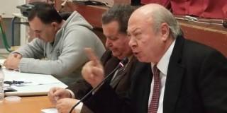Το Δημοτικό Συμβούλιο στην Σάμη, απέδειξε ότι... «ο βασιλιάς είναι ζόρκος*»