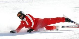 Στιγμιότυπο από παλαιότερη (αναίμακτη) πτώση του Μίκαελ Σουμάχερ στις πίστες του σκι, ενός από τα πιο αγαπημένα του σπόρ