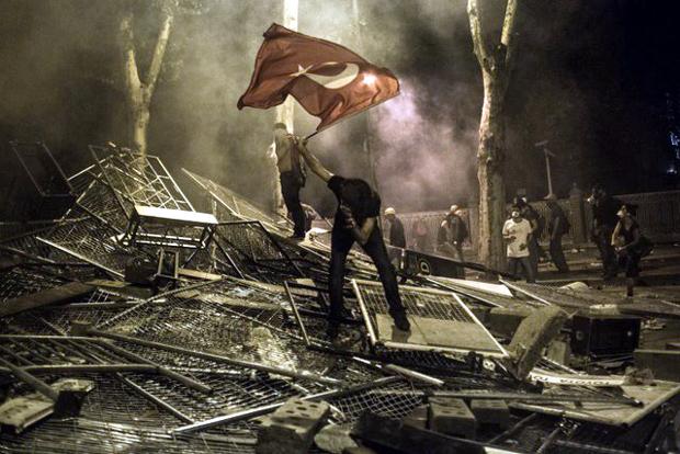 Η εξέγερση στην πλατεία Ταξίμ