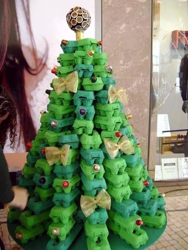 Egg-Carton-Christmas-Tree