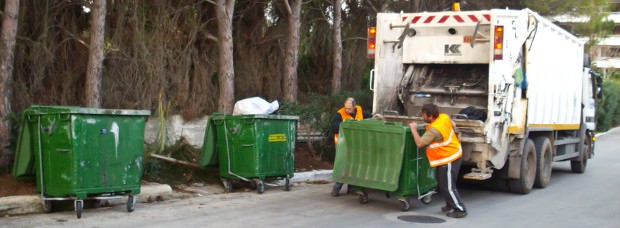 The waste collection service is provided seven days a week in Kefalonia.