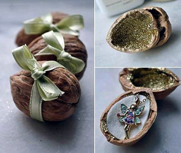 Walnut-Christmas-Gift-Decoration