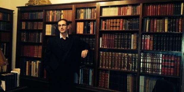Στην Ιακωβάτειο Δημόσια Βιβλιοθήκη Ληξουρίου Κεφαλονιάς.