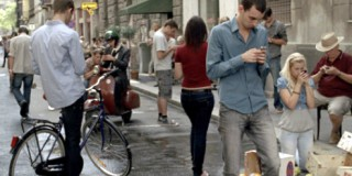 Καλό το smartphone, αλλά μίλα και στο διπλανό σου…