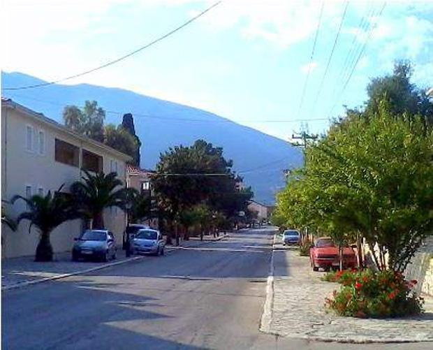 Κεντρική οδός Καραβόμυλου