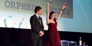 Ο Χρήστος Βασιλόπουλος και η Χριστίνα Λουκά παρουσιάζουν τα βραβέια Ορφέας. Φωτογραφία: Μαρία Μάρτιν