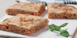 Μπακαλιαρόπιτα με μαντζουράνα, μαϊντανό, δυόσμο και πορτοκάλι