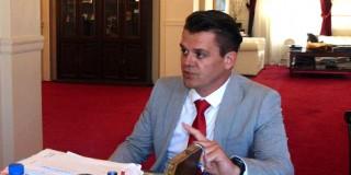 O Βρετανός Υποπρόξενος κ. Matthew Delapp