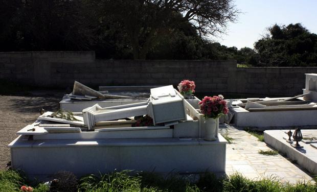 Οι τάφοι της Κεφαλονιάς «μιλούν» στους σεισμολόγους