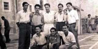 Oμαδική φωτογραφία κρατουμένων Αργοστολίου