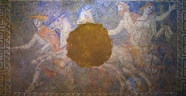 Αμφίπολη: Εκπληκτική η παράσταση με την αρπαγή της Περσεφόνη