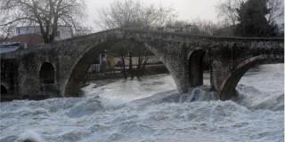 Σε κατάσταση έκτακτης ανάγκης κηρύχτηκε ο Δήμος Αρτας εξαιτίας της υπερχείλισης ποταμών από τις ραγδαίες βροχοπτώσεις
