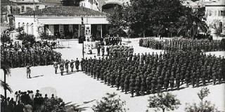 Μονάδες της Μεραρχίας ACQUI στην πλατεία Βαλλιάνου στο Αργοστόλι